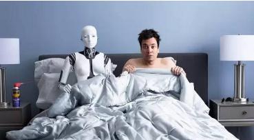 职场机器人是否会受到性骚扰与骚扰人类?