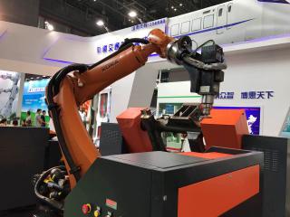 """融合 协同 服务""""三位一体 助机器人产业发展"""