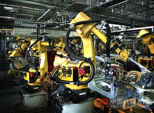 """工业新时代:工业机器人创造的""""黑灯工厂"""""""