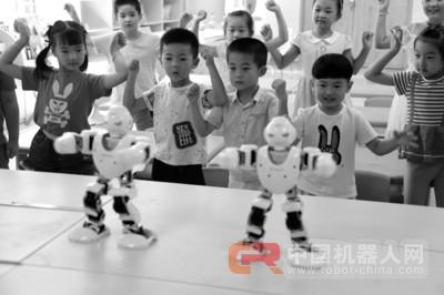 想学跳舞吗?让机器人老师教你