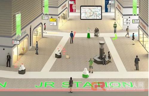 日本火车站用机器人拖运行李打击扒手