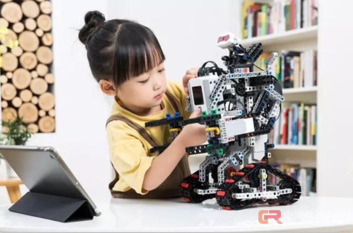 """""""人工智能50强""""揭晓,未来伙伴荣膺机器人榜首"""