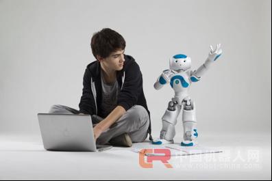 香河 机器人创客大赛上演真人秀