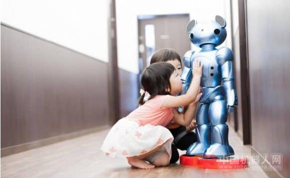 日本推出感应机器人,协助解决托儿人手不足问题