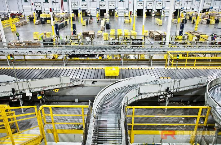 亚马逊仓库雇用机器人大军,没被裁的员工都去做什么了?
