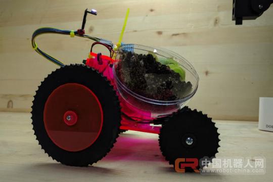 家居小能手!这只3D打印机器人能载着植物晒太阳