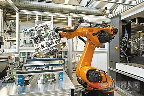 """工业机器人""""跑步""""进车间"""