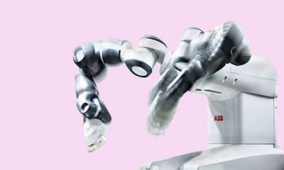 新型协作机器人正走入家庭:做饭下棋样样精通