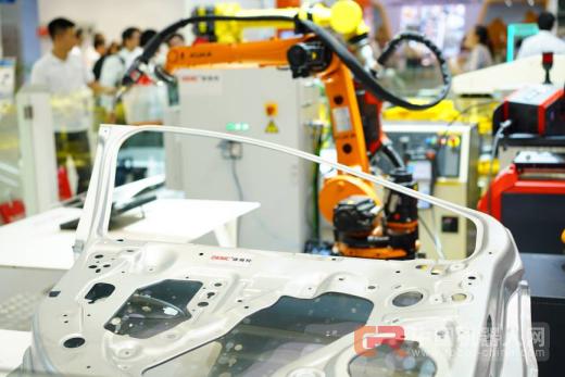 从AMTS 2017上海国际汽车装备展看汽车制造技术发展趋势