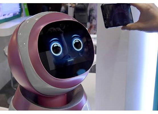 谁为机器人承担伦理与法律责任?