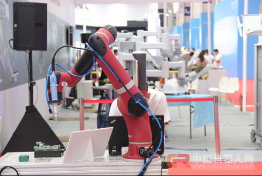未来三年工业机器人发展机遇和趋势