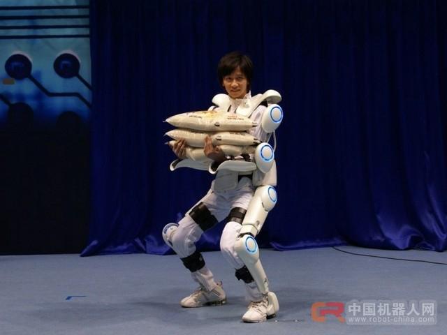 京东外骨骼机器人曝光,专为物流工作人员研发