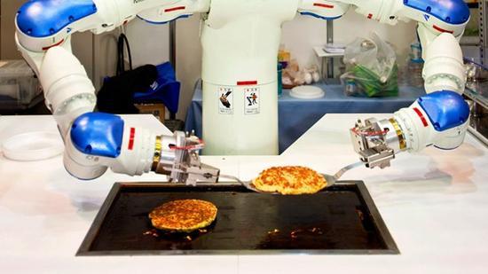 机器人是否将会代替快餐店员工?