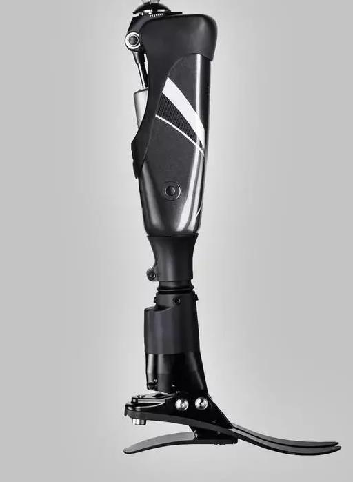 能作画、会竖中指、还能挥舞光剑,AI加持下的假肢越来越聪明