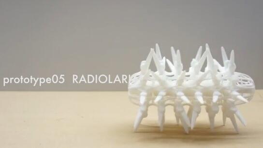 日本设计师制造仿生机器人像动物一样移动 竟然是3D打印一体成型
