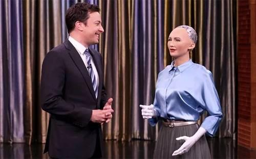 2017,那些最让我们欢欣,又最让我们担心的机器人
