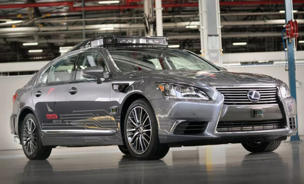 丰田新款自动驾驶汽车360度探测距离达200米