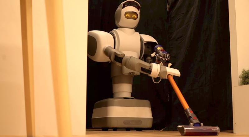 懒癌患者最爱!这个家用机器人可以帮你开可乐
