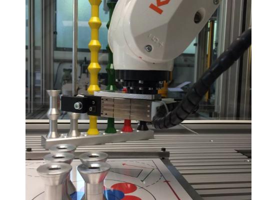 KUKA 小型机器人步入大学课堂