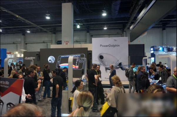 臻迪智能水上机器人PowerDolphin亮相CES 2018