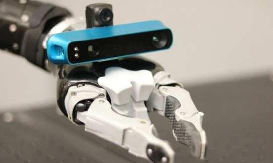 现实版寄生兽?在机器人的机械手臂安装摄像头可快速创建3D模型