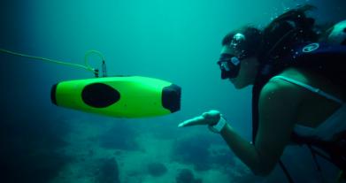 真正的专业级水下拍摄机器人已经来了,登陆Indiegogo众筹实现你的海洋梦