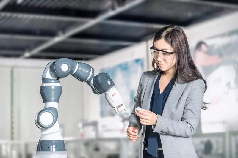 究竟人工智能是引发失业,还是改变了工作形式?