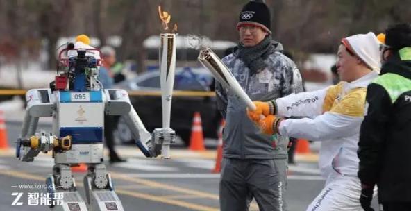 冬奥会让机器人传递火炬靠谱吗?