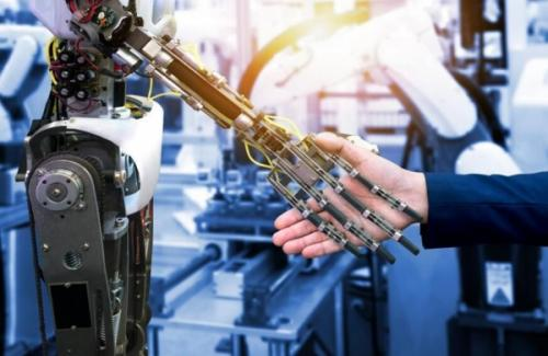 人工智能与人的关系,并非取代而是协同