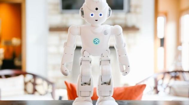 搭载Alexa语音助手 这款人形机器人究竟能干啥?
