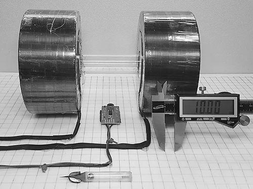 磁锤机器人: 穿越人体组织做手术
