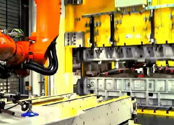 机器人冲压自动化生产线剖析,设计要点+视频