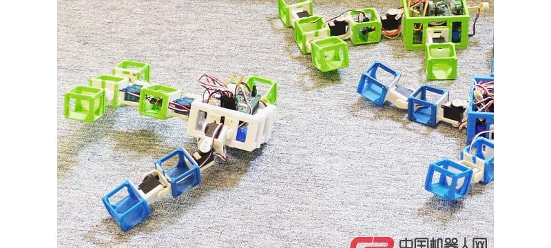 机器人也有孩子了,通过WIFI交配,从3D打印机中出生