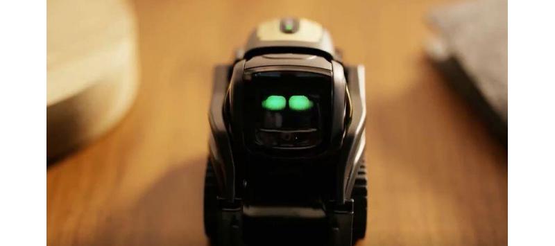 成精啦!一款会自己发推特,用眼神与人类交流的机器人