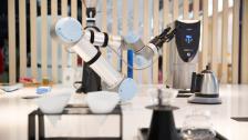 机器人调酒师 调酒机器人 调咖啡机器人 展会机器人商演租赁