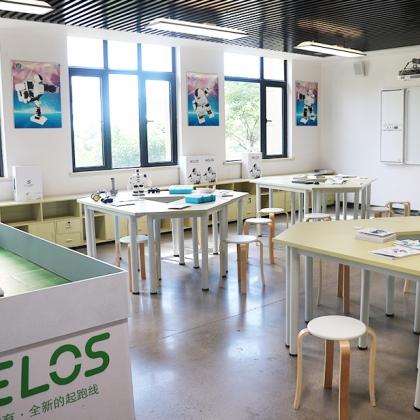 机器人教室建设方案,创客教育空间整体解决方案