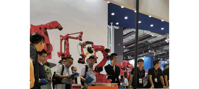 木蚁机器人专注移动不负重托,爆款产品闪耀2019工博会