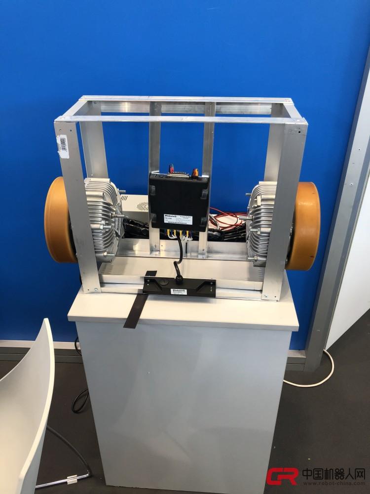 现金棋牌评估网保时捷就起首建造出了前轮设备轮毂电机的电动汽车