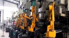 冲压机器人视频 冲床机械手视频播放