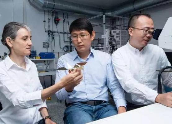 从折纸来的灵感,2个中国人做出了这个微型机器人!