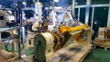 现代(Hyundai)机器人发动机舱前梁焊接